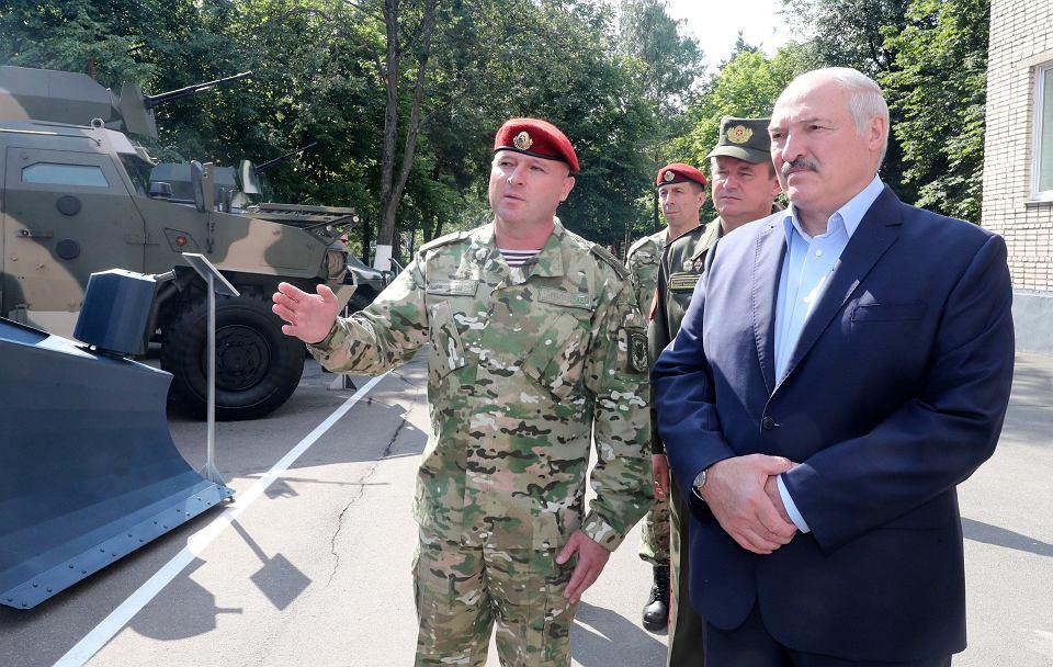Aleksander Łukaszenka wizytuje jednostkę specjalną MSW w Mińsku, 28 lipca 2020 r.