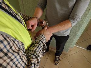 Dębica. Policjanci złapali rowerzystę z narkotykami. W swoim mieszkaniu miał ponad p