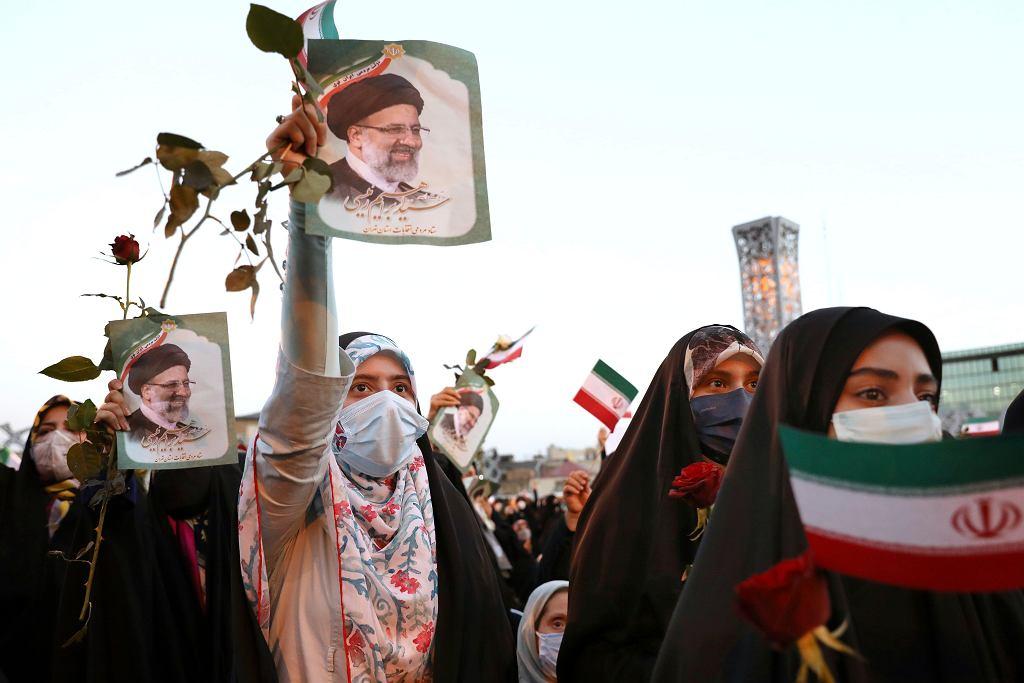 Iran. Wybory prezydenckie wygrywa Ebrahim Raisi, jego zwolennicy świętują
