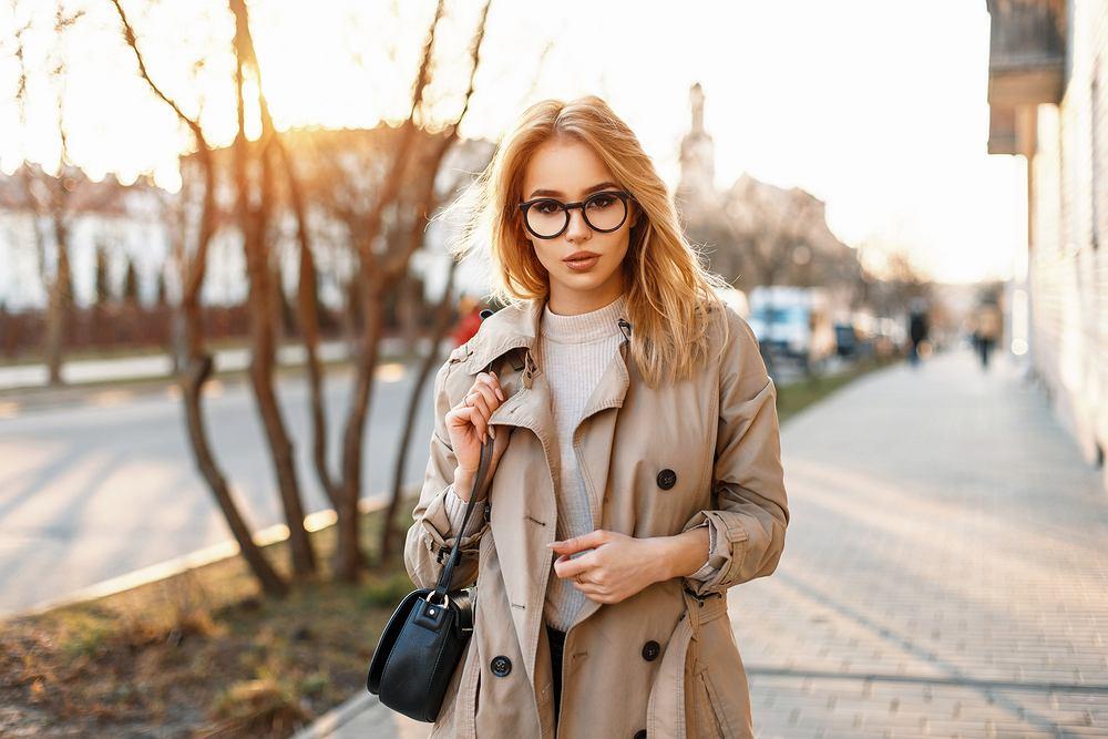 Jaki płaszcz wybrać na jesień 2019? Najmodniejsze rodzaje płaszczów na nadchodzący sezon