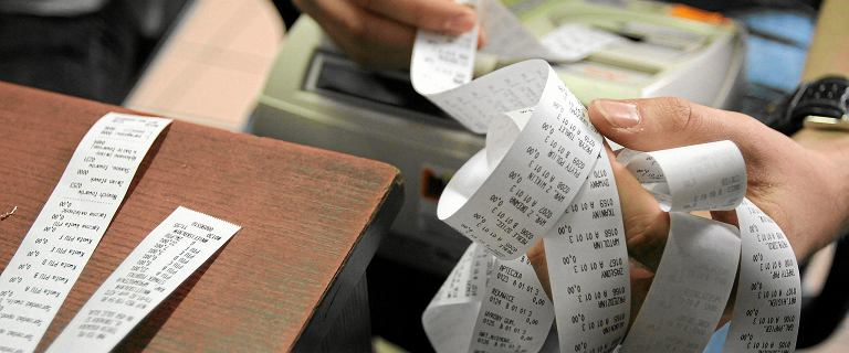 Spada VAT na pieluszki, rośnie na krewetki. Sklepy obniżają ceny