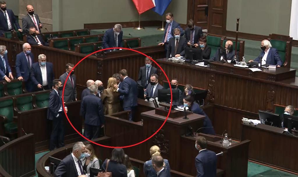 https://bi.im-g.pl/im/34/08/1a/z27299380IH,Sejm.jpg