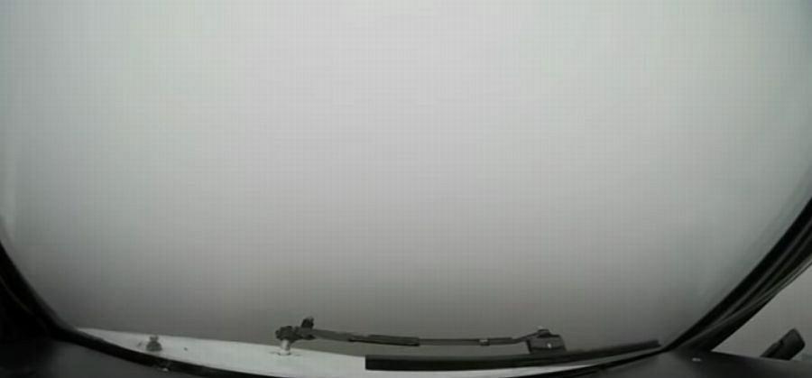 Piloci z Białorusi lądowali przy zerowej widoczności z powodu gęstej mgły