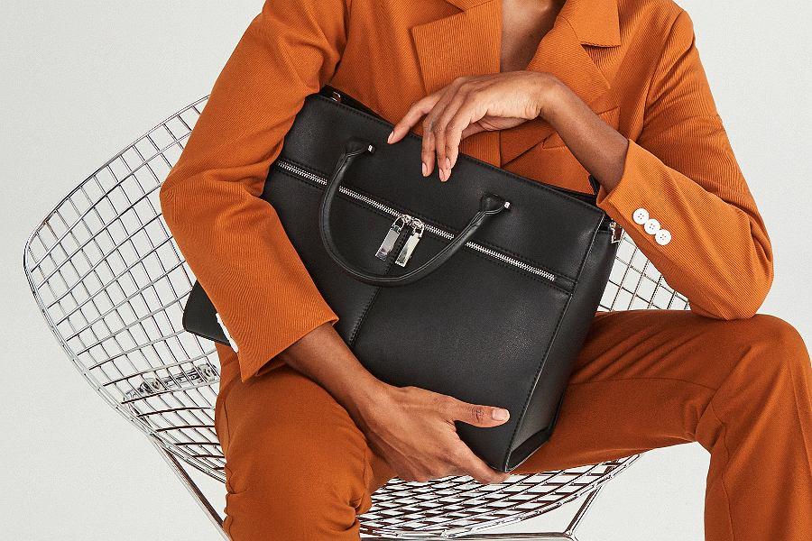 czarna torebka do pracy