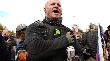 Protesty w Portland. Członkowie Proud Boys i innych prawicowych ugurpowań