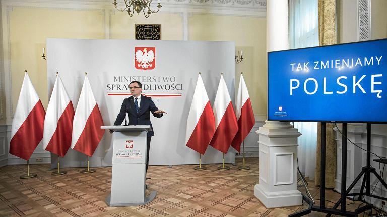 15.11.2017, Warszawa, minister sprawiedliwości Zbigniew Ziobro podczas konferencji 'Dobre 2 lata' podsumowującej dwa lata rządów PiS.