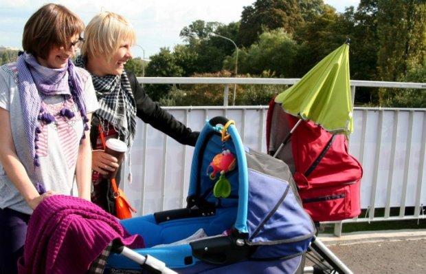 Matki idealne, czy wózkary?