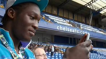 Romelu Lukaku podczas pierwszej wizyty na stadionie Chelsea