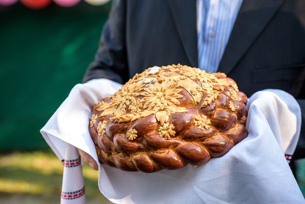 Jak jeść chaczapuri i kiedy piecze się korowaj? Przegląd najlepszych chlebów świata