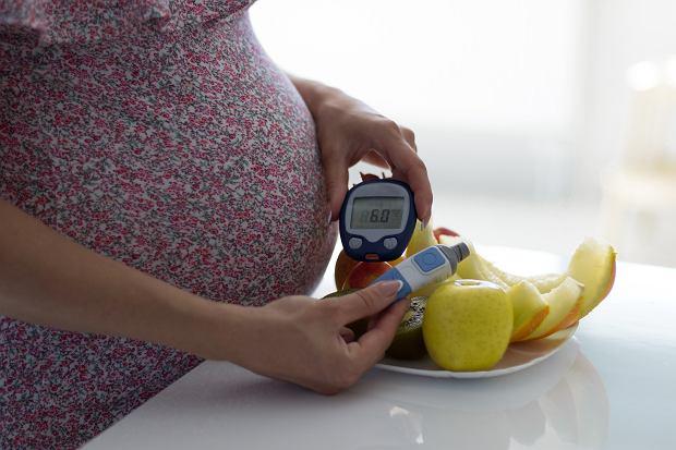 Cukrzyca ciążowa a poród. Są dwa powody wystąpienia cukrzycy w ciąży