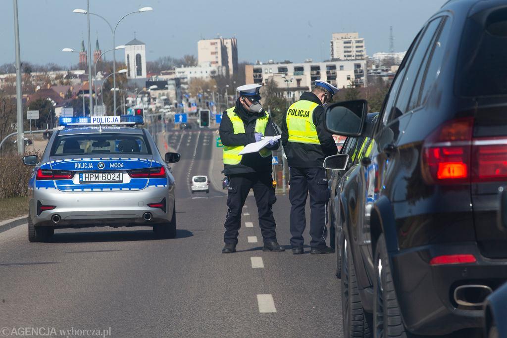 Wykroczenie drogowe ( zdjęcie ilustracyjne ).