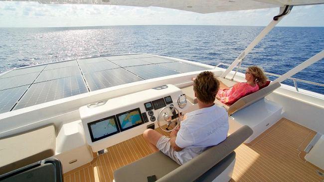 Silent 55 - napędzany wyłącznie słońcem luksusowy jacht. Ultrabogaci mogą być bardziej eko