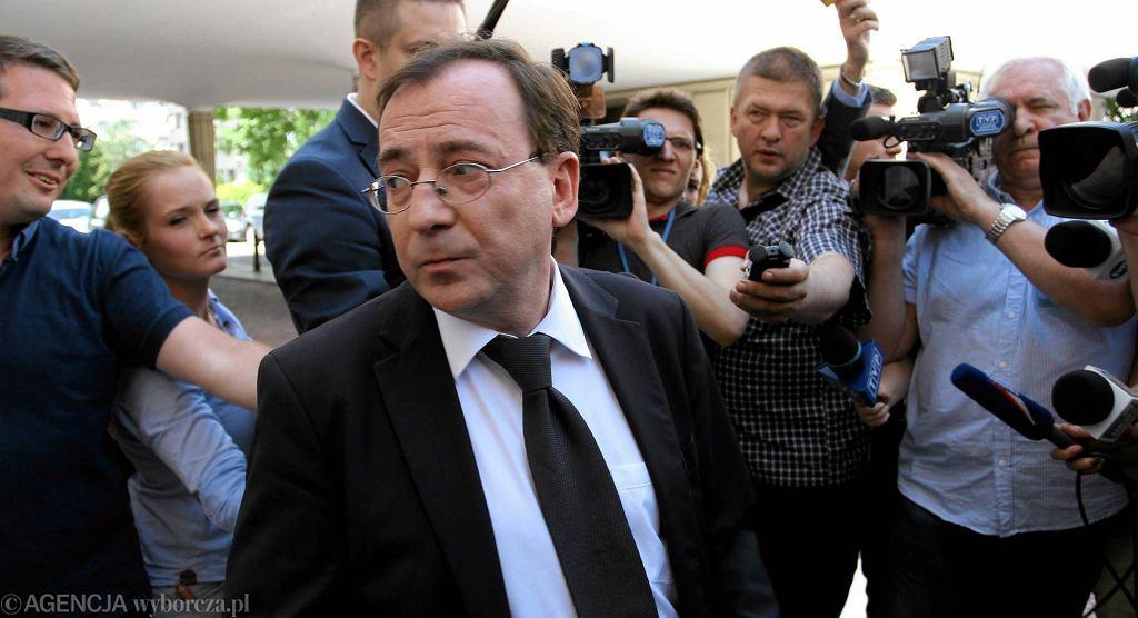 Mariusz Kamiński 10 czerwca przed Sejmem, tuż przed tajnym posiedzeniem w sprawie odebrania mu immunitetu