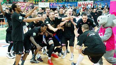 Koszykarze Turowa do mistrzostwa Polski dołożyli teraz Superpuchar