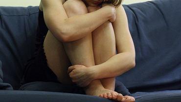 Zgwałcona kobieta (zdjęcie ilustracyjne)