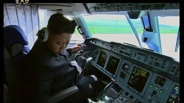 Kim Dzong Un za sterami samolotu