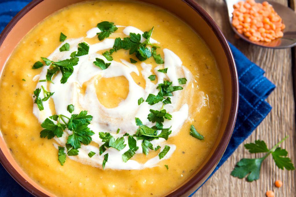 Zupa krem z soczewicy - remedium na chłodne dni. Jak ją zrobić? Podpowiadamy