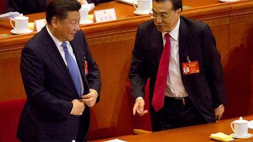 Prezydent Chin Xi Jinping rozmawia premierem Li Keqiangiem