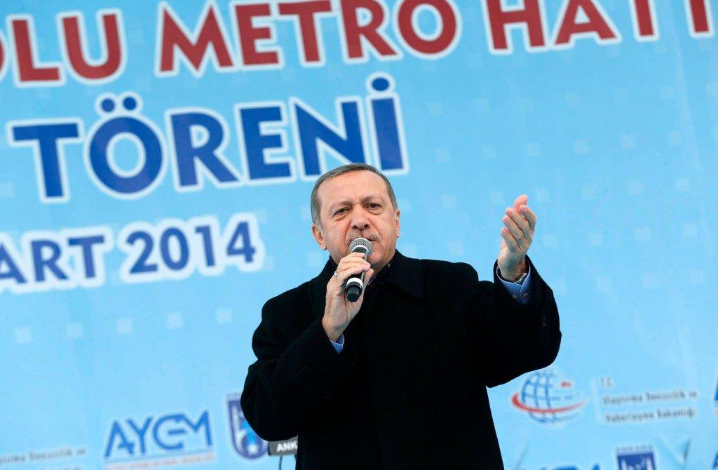 Premier Turcji doprowadził do zablokowania Twittera w jego kraju