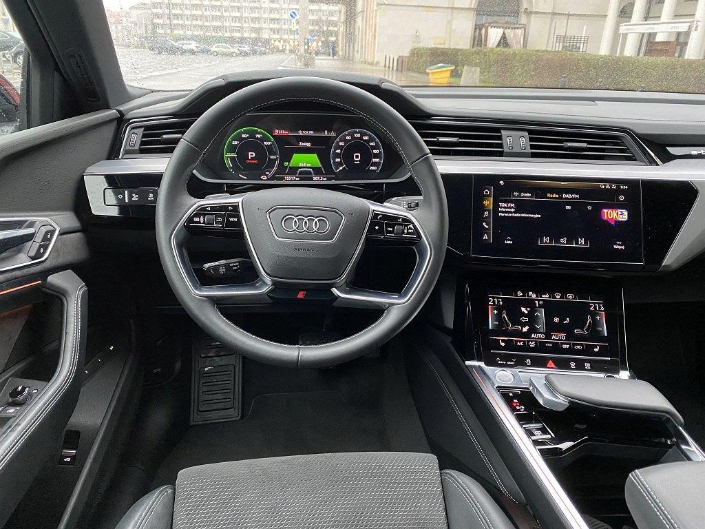 Kokpit Audi e-tron Sportback