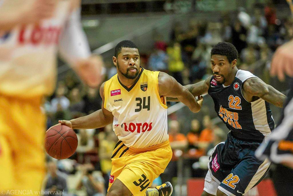 Mecz koszykarzy Trefla Sopot (żółte stroje) i Asseco Gdynia