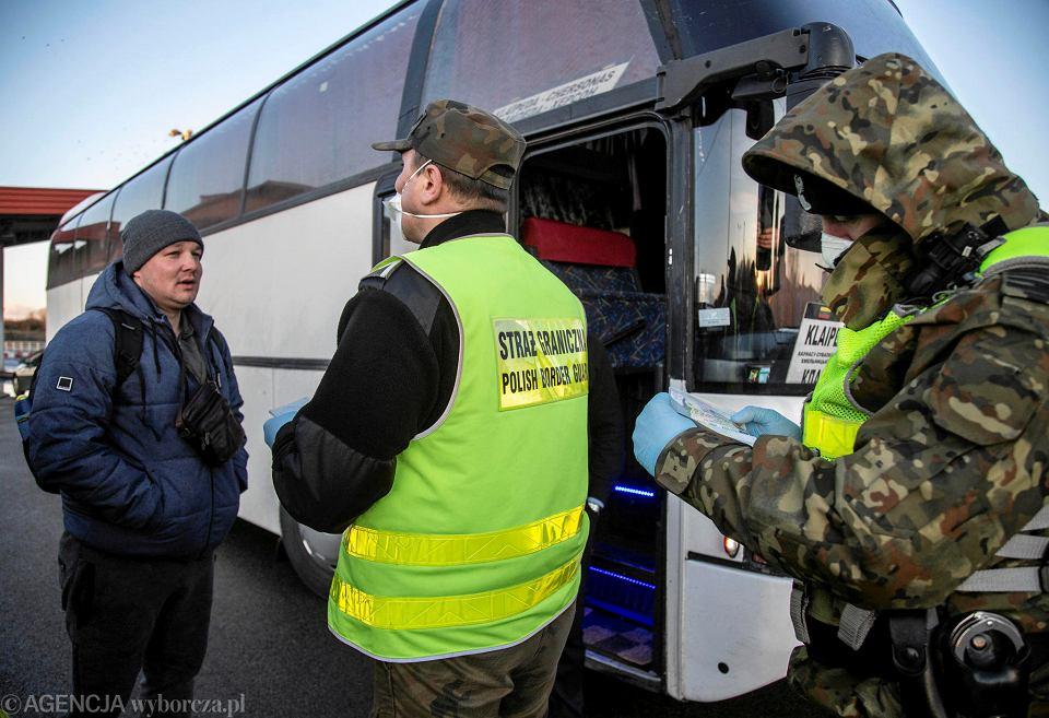 Budzisko. Granica Polsko - Litewska. W sobotę (14 marca) o godz. 18 Litwa przywróciła kontrole na wewnętrznej granicy UE