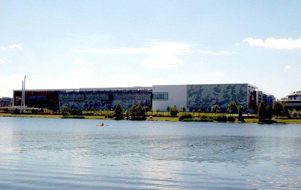 Galeria Malta znajduje się w Poznaniu nad jeziorem
