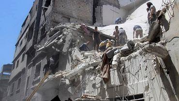 Skutki bombardowań w regionie Idlib w Syrii