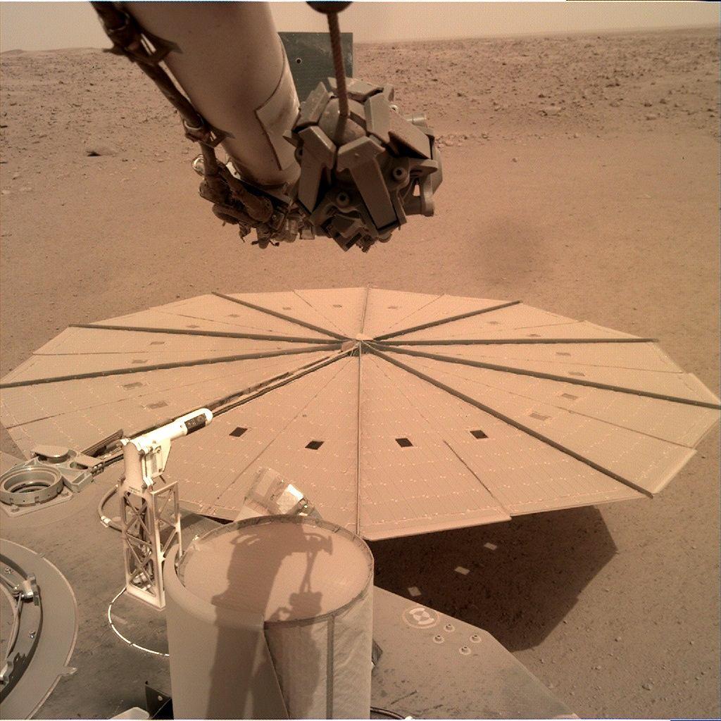 Jeden z paneli słonecznych lądownika InSight