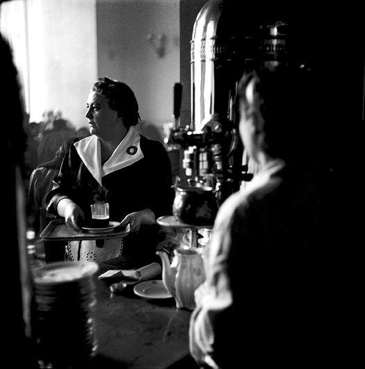 Warszawska kawiarnia, rok 1956