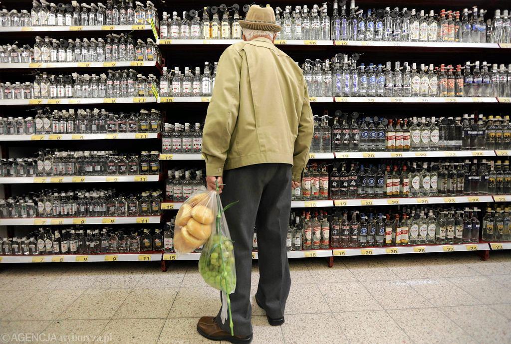 Dział alkoholi w jednym z hipermarketów w Częstochowie