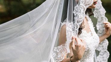 Koronawirus na weselu w Gorzycach. Jedną z zakażonych jest panna młoda (zdjęcie ilustracyjne)