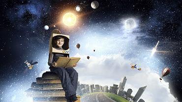 Książki edukacyjne dla dzieci rozwijają ich zainteresowania. Zdjęcie ilustracyjne