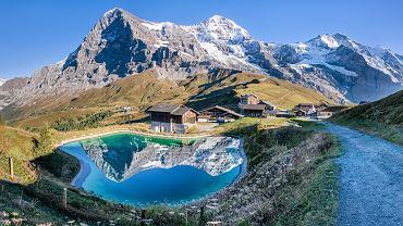 Szwajcaria, przełęcz Kleine Scheidegg. W tle (od lewej): Eiger, Mönch i Jungfra