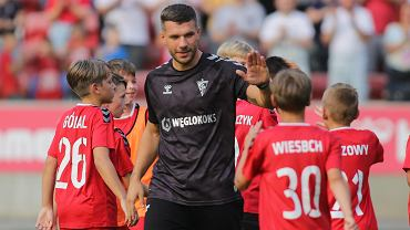 8 lipca 2021 r. Lukas Podolski podczas spotkania z kibicami na stadionie Górnika Zabrze