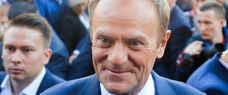 Donald Tusk na czele rankingu. Sondaż zaufania do polityków IBRiS