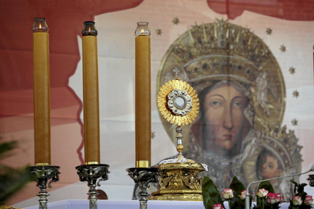 Radni z Piotrkowa Trybunalskiego chcą zawierzyć miasto Matce Boskiej