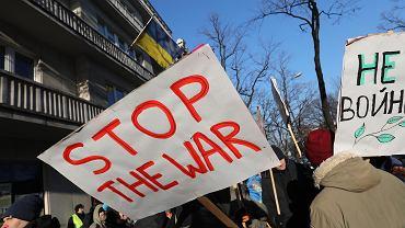 Protest przed Ambasadą Ukrainy.