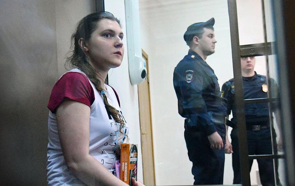 Sierpień 2018. Anna Pawlikowa, opozycjonistka, słucha w moskiewskim sądzie wniosków prokuratury