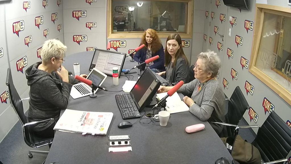 Dorota Warakomska i komentatorki w studio TOK FM.