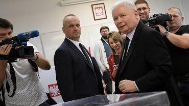 Jarosław Kaczyński podczas głosowania w wyborach parlamentarnych, 13 października 2019.
