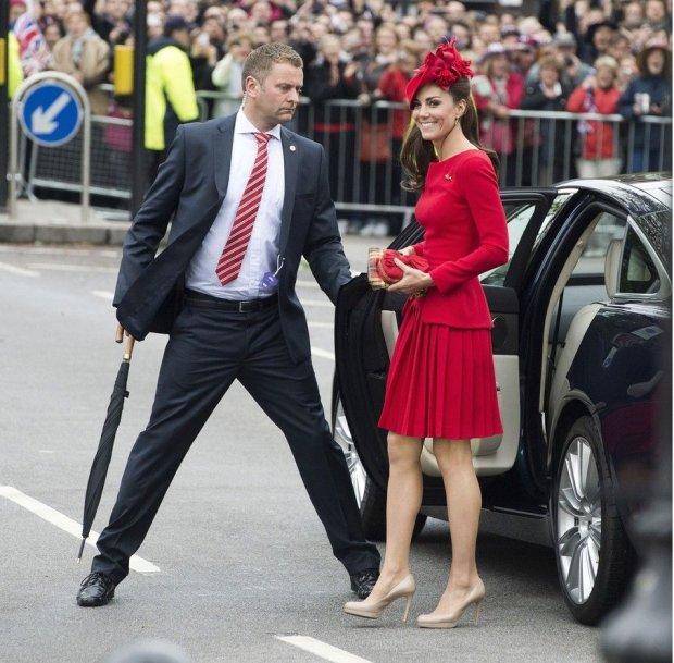 Księżna Kate w trakcie obchodów Diamentowego Jubileuszu Królowej Elżbiety II, 3 czerwiec 2012