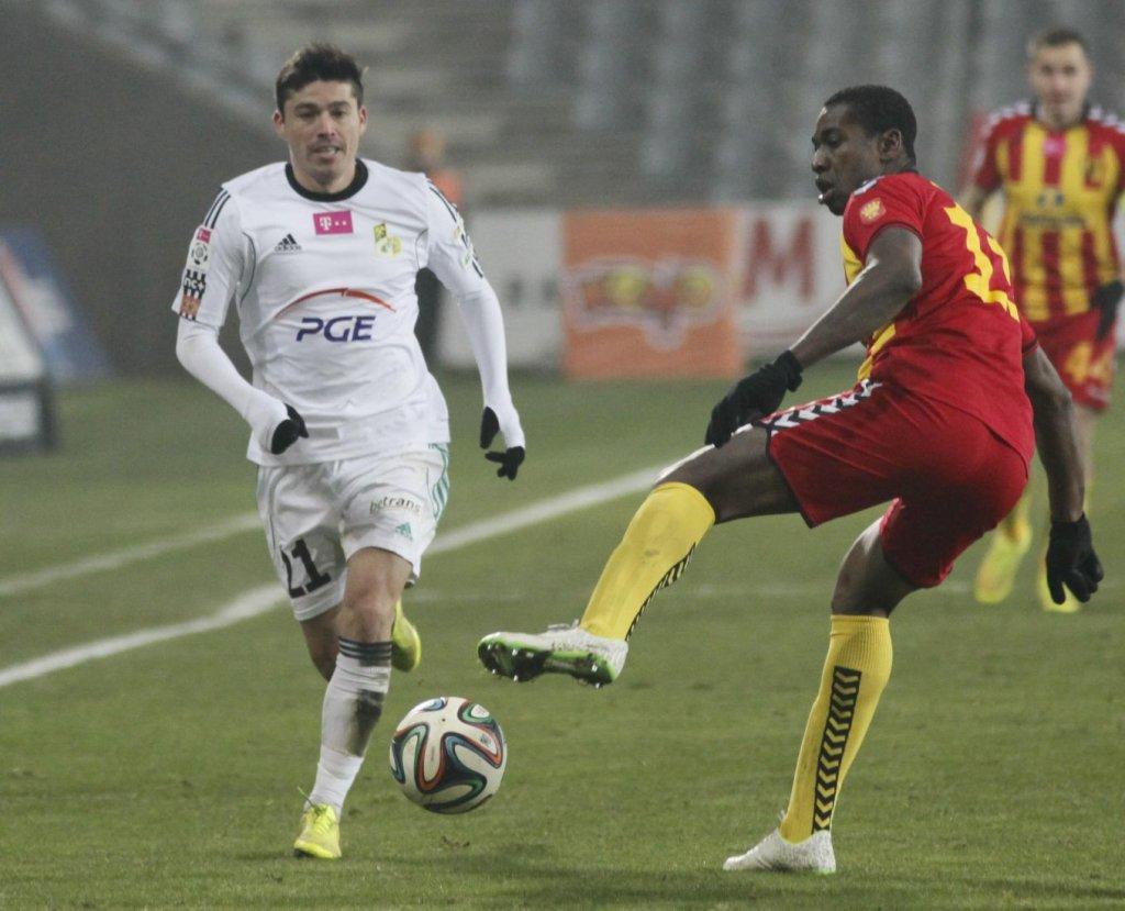 Olivier Kapo gola nie strzelił, ale mocno popracował dla drużyny