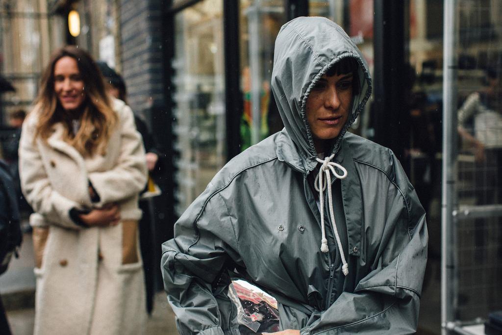 Kurtka przeciwdeszczowa, fashion week