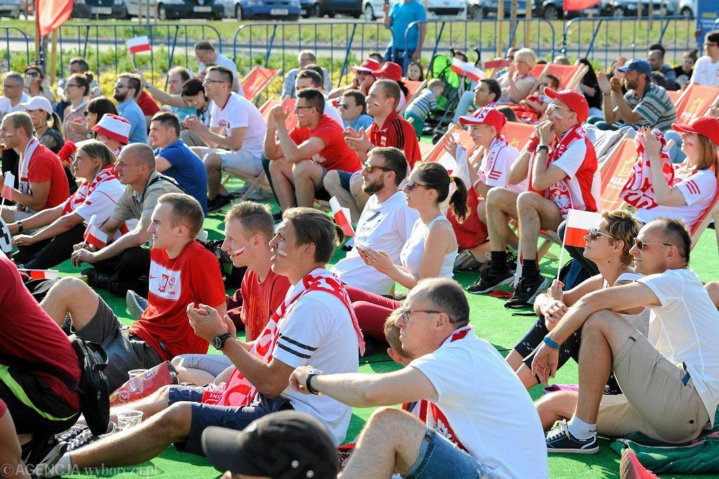 Aleja Kibica w Bielanach Wrocławskich podczas meczu Polska-Irlandia Północna