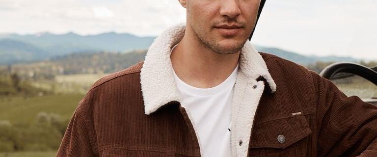 Te kurtki i płaszcze męskie są hitem na jesień 2021! Ceny? Niskie!