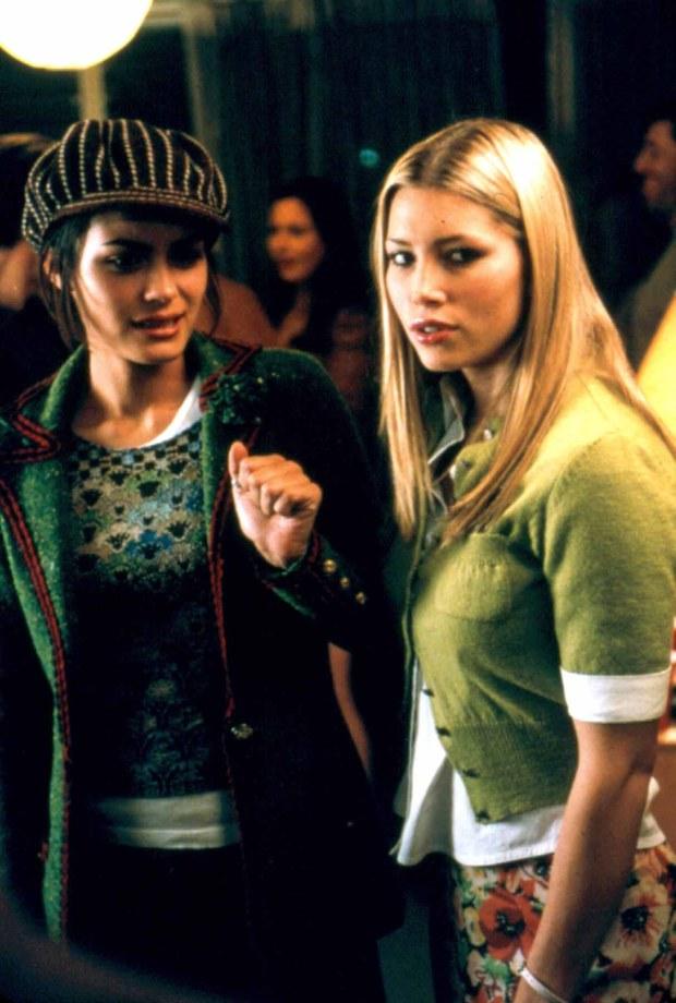 SHANNYN SOSSAMON & JESSICA BIEL  in Rules Of Attraction  Filmstill - Editorial Use Only  FSN-B  www.filmstills.net  info@filmstills.net  ?FilmStills.net