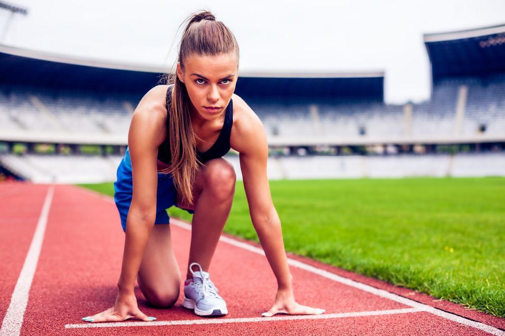 Weź udział w zawodach biegowych, wystartuj w biegu na dystansie pół maratonu