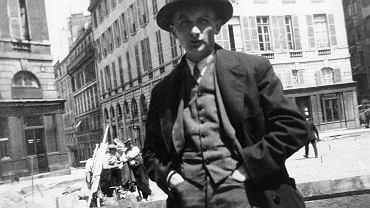 Joseph Roth, prawie jak Münchhausen. Jego noty biograficzne pełne zmyśleń: nie był oficerem c.k., nie był porucznikiem, medal 'Za Odwagę' kupił prawdopodobnie na targu ze starzyzną. Brody, 1894