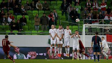 Mecz Węgry - Rosja. W murze z numerem 4 Tamas Kadar